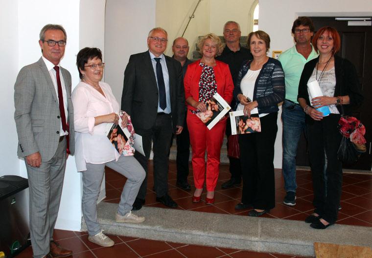 Staatssekretärin Rita Hagl-Kehl in der Heimatstadt Kemnath von Landtagskandidatin Jutta Deiml